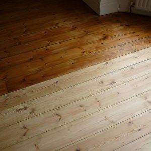 medienos lakavimas